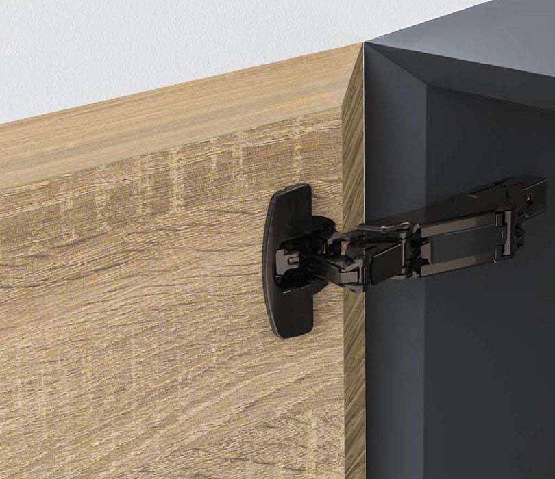 WIDE ANGLE HINGE - Sensys 165° wide angle hinge with zero protrusion, door thickness up to 32mm. Zero protrusion means maximum interior space usage. Suitably for various door designs and applications: wide angle opening, mitred, all-round, rebated doors, profiled edges.